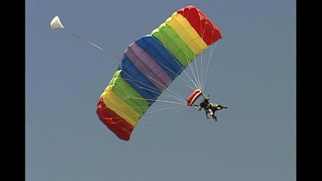 Skydivers Land $41,000 for Children's Advocacy Center of BenCo