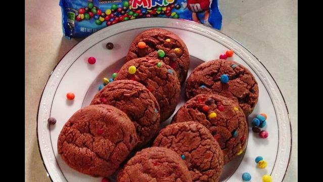 Cooking Today: Just Desserts M&M Milk Chocolate Minis Cookies