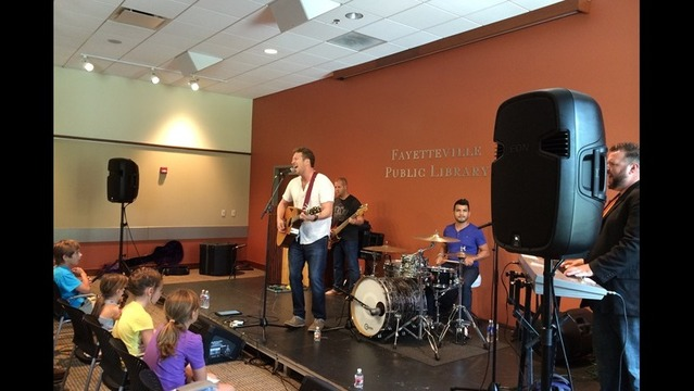 Barrett Baber brings band back to Fayetteville