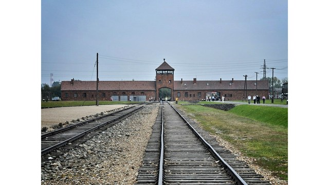 Trump to commemorate Holocaust Remembrance Day