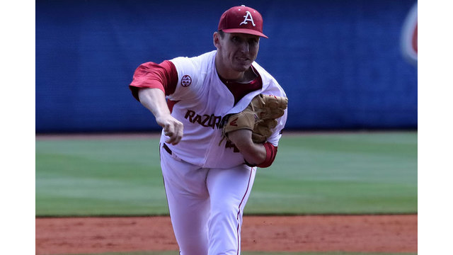 Big Inning Pushes Arkansas Into SEC Semifinals
