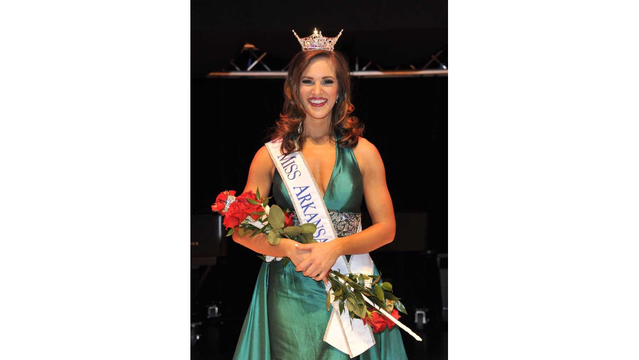 Maggie Benton Crowned Miss Arkansas 2017