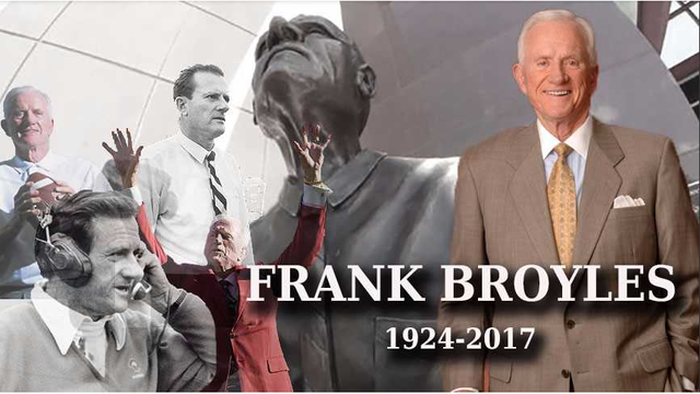 Arkansas Legend Frank Broyles Dies At Age 92