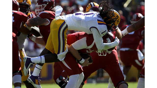 Hogs Stumble in Baton Rouge, LSU Keeps the Golden Boot Following 33-10 Victory