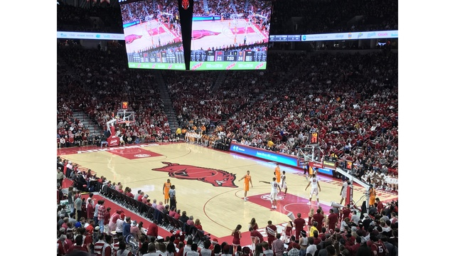 Razorbacks defeat Tennessee in SEC opener