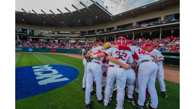 Arkansas Picked To Win West By League Coaches
