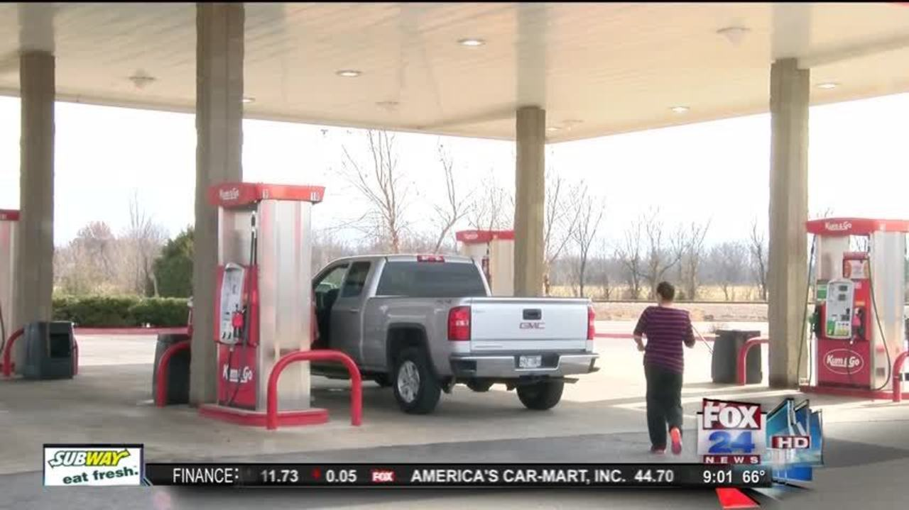working on christmas day what gas station employees think about it - Are Gas Stations Open On Christmas