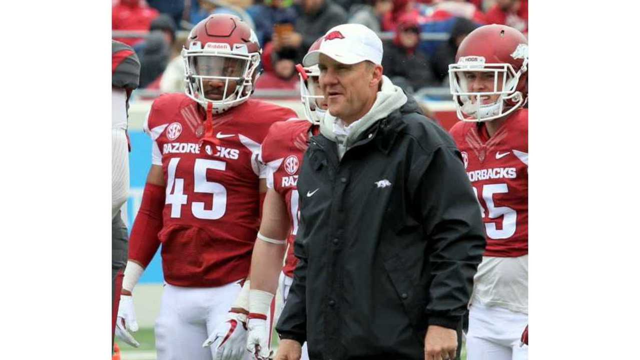 Arkansas won't Complete Football Recruiting Class During Early Signing Period