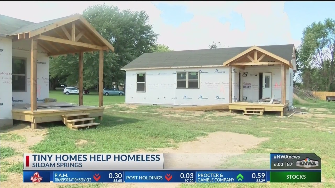 Remarkable Homeless Siloam Springs Families Have New Transitional Home Interior And Landscaping Dextoversignezvosmurscom